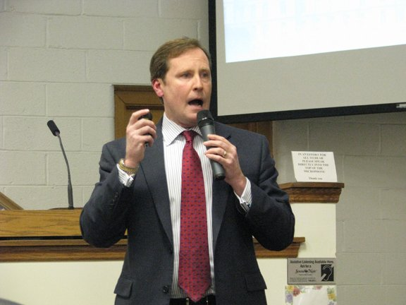 Matt Driscoll, who is now president and CEO of the New York State Environmental Facilities Corp., speaks about Gov. Andrew Cuomo's executive budget proposal at the Cicero Town Board meeting Wednesday, Jan. 25.