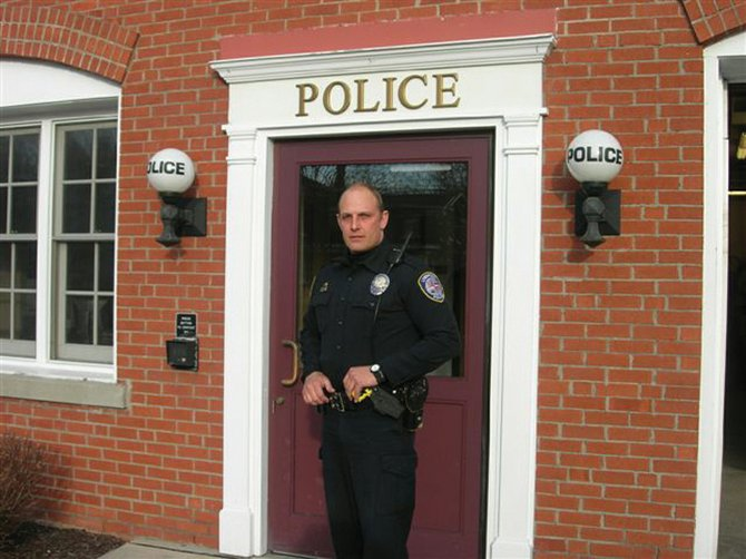 Liverpool Police Officer Jerry Unger was credited with helping to solve a case out of Buffalo.