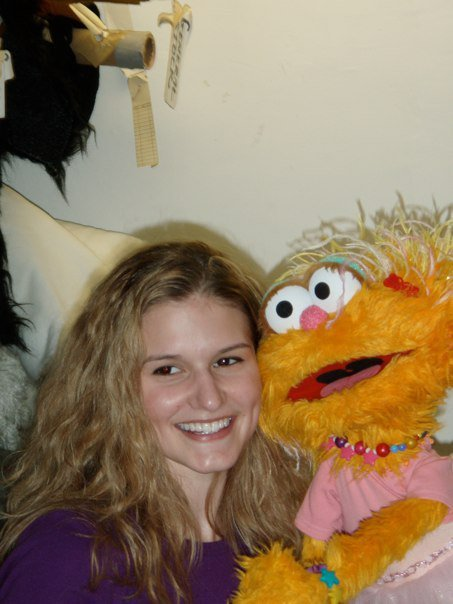 "Heather Weeks, who once danced in ""Sesame Street Live,"" died on Nov. 14, 2008, of colon cancer. On Thursday, Nov. 14, 2013, people across the country will take part in random acts of kindness in her memory, thanks to a social media campaign launched by her mother, Frieda, in her memory."