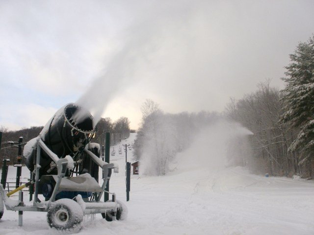 Gore's new snow guns were blasting effectively Thanksgiving Day, but warmer temperatures the following weekend were too much for the machines to overcome. A return to colder temperatures should allow the slopes to re-open the first weekend of December.