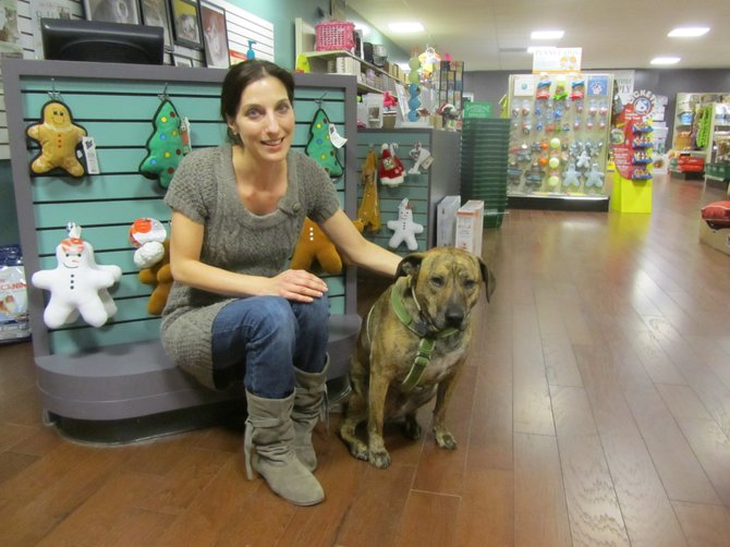 Syracuse woman opens natural pet supply store in Manlius