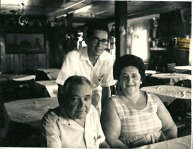 Laurina, Dan and Ralph Ecobelli.