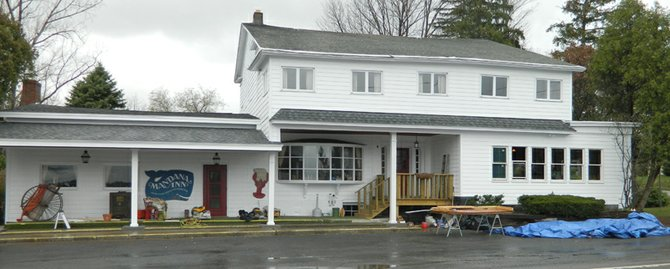 The Mandana Inn reopens for the 2012 year on April 6 after three months of exterior and interior restoration work and the creation of an enhanced menu and wine list.