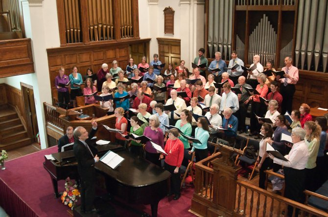 Middlebury College Community Chorus draws singers from many communities in Addison County and nearby—Brandon, Leicester, Salisbury, East Middlebury, Ripton, Goshen, Weybridge, Cornwall, Middlebury, Shoreham, New Haven, Waltham, Vergennes, Bristol, Hinesburg, and Starksboro—as well as students at the college from all parts of the U.S. and abroad.