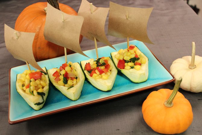 Kids can customize the sails on these Thanksgiving boats with holiday wishes or fun facts.