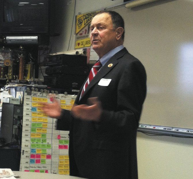 Rep. Richard Hanna speaks to Cazenovia High School students in the AP history and government class.