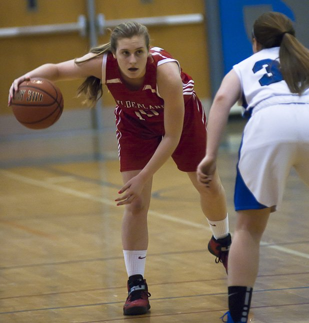 Guilderland Girls Basketball team traveled to Saratoga to take the win 41-39 on Jan 18.