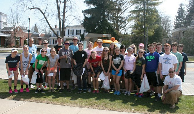Project Café members and volunteers who participated in the Earth Day Community Clean-up last Sunday.
