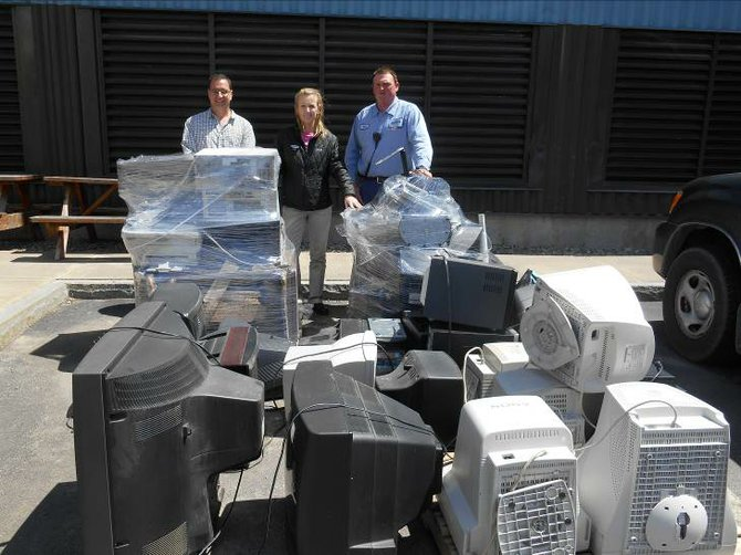 Covanta Onondaga recently held an e-waste collection event with the Southwood Fire Department in Jamesville and collected over 2,000 pounds of electronic waste from local residents and businesses.